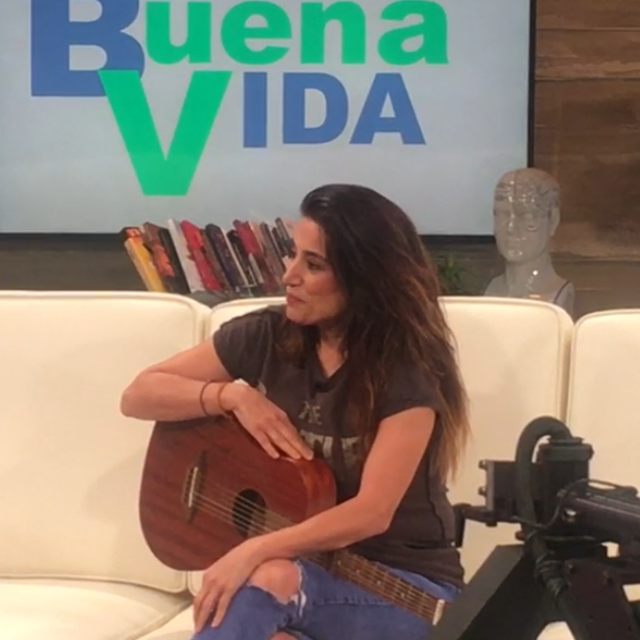 Miss Sara Interviewed on Buena Vida